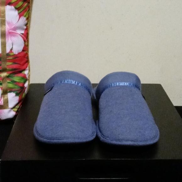 Isotoner house slipper